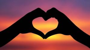"""""""Cinta itu milik ruhani yang halus. Sedangkan kebencian adalah milik jasmani yang kasar. Penuhilah ucapan dan perilakumu dengan kehalusan, maka engkau akan melahirkan cinta-kasih."""""""